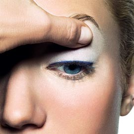 How to get flawlessly lined eyelids