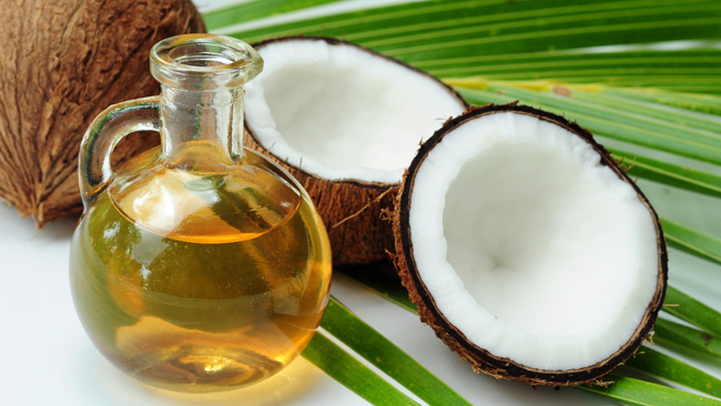 Different ways to use coconut oil to improve your beauty